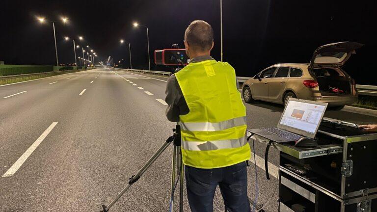 gl optic luminance measurement on the road 2