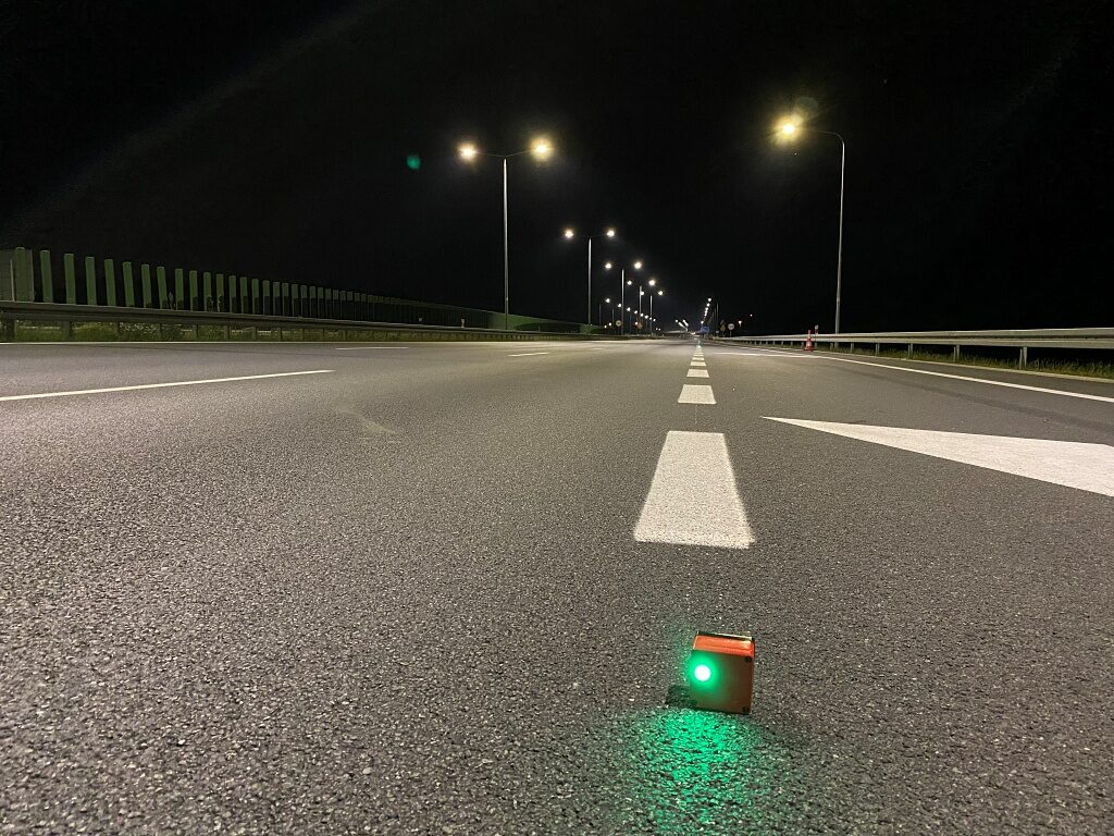 gl optic luminance measurement on the road field marker